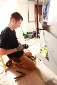 Minneapolis Metro Heating Engineer Fixing Furnace
